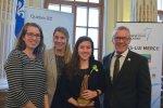 Le 9 avril 2019, le gouvernement du Québec a souligné le dévouement de 40 lauréats, lors de la cérémonie officielle du prix Hommage bénévolat-Québec. Ces 34 bénévoles et 6 organismes ont reçu une statuette nommée Tara de la part du ministre du Travail, de l'Emploi et de la Solidarité sociale, M. Jean Boulet